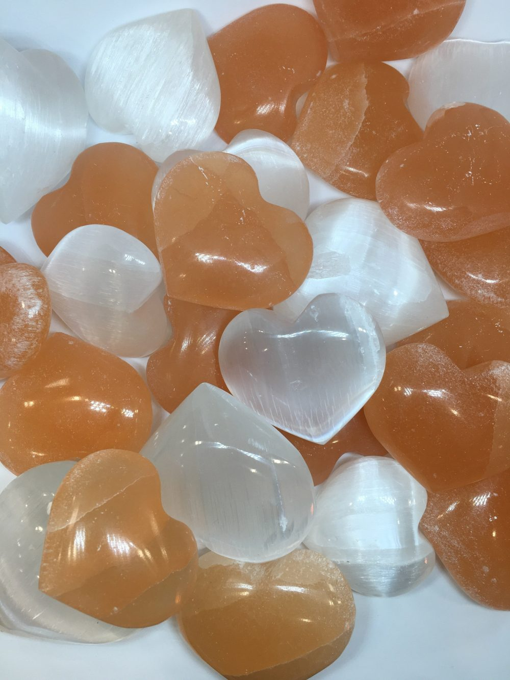 Cuori di Selenite, bianchi e arancioni, IStone, Lucca